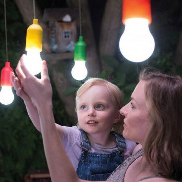 Ampoule Colorée LED à Suspendre - S'allument en un clic