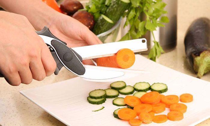 ciseau couteau cuisine 2 en 1 clever cutter planche. Black Bedroom Furniture Sets. Home Design Ideas