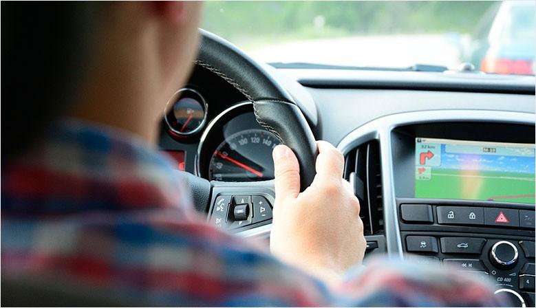 Support pour smartphone, caméra embarquée, protection de sièges, télécommande copieuse Tout les accessoires pour votre voiture